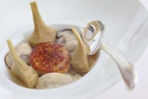 Artichaut poivrade huîtres et foie gras